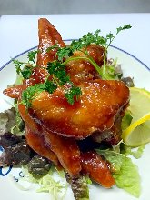 Deep-fried spicy chicken wing tips
