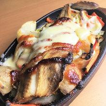 Okhotsk Atka mackerel chanchan-yaki with miso and cheese