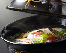 Clear broth soup