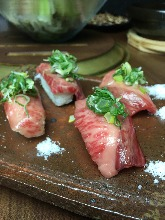 神戸牛大トロ寿司3貫