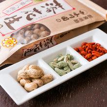 Assorted snacks, 3 kinds
