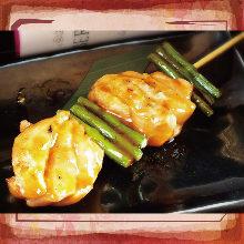 Grilled garlic skewer