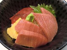 Rice bowl with 3 different parts of Pacific bluefin tuna