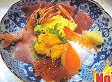 Pacific bluefin tuna seafood rice bowl
