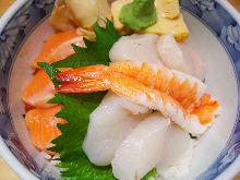 Salmon and scallops rice bowl