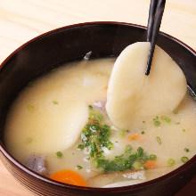 Dagojiru (dumpling soup)