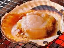 Hamayaki scallops (grilled scallops)