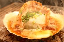 Grilled scallop with butter