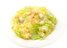 Fried rice with lettuce