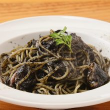 Pasta with squid ink sauce