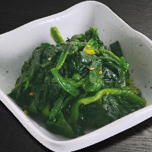 Spinach namul (Korean seasoned spinach)