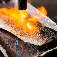 Seared marinated mackerel sashimi