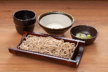 Buckwheat noodles with grated yam