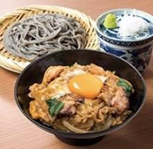 Chicken and egg rice bowl and soba meal set