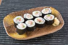 Negi toro (minced tuna with green onions) sushi rolls