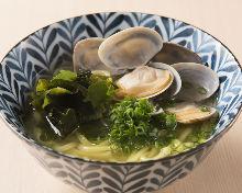 Manila clam ramen