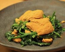 Spinach topped with sea urchin