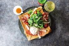 サラダボウル キヌアと旬の野菜のサラダ