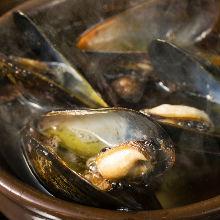 ムール貝のアヒージョ
