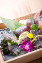 Sugata-zukuri (sliced sashimi served maintaining the look of the whole fish)