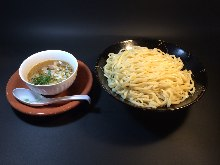 Ramen noodles with dipping sauce