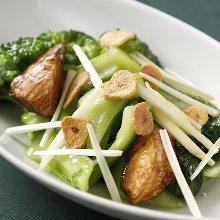 Seasonal vegetables and garlic stir-fry