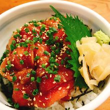 Soy sauce marinade fresh tuna rice bowl