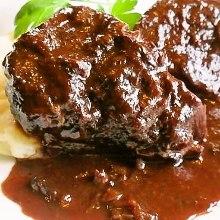 Beef cheek stewed in red wine