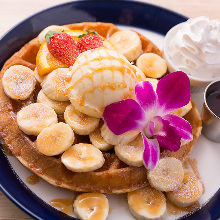 Caramel and banana waffle
