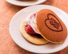 Strawberry and fresh cream dorayaki