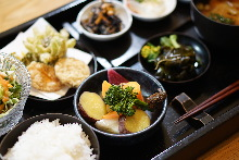 Seasonal vegetable meal set