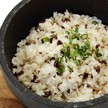 Hot stone garlic rice