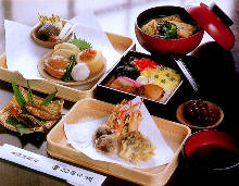 3,240 JPY Course (8  Items)