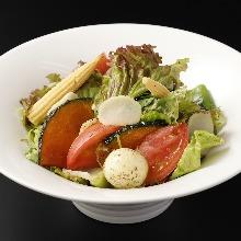Seasonal vegetable salad