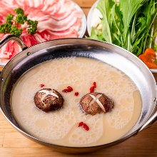 White broth hotpot with kurobuta pork