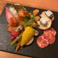 Assorted appetizers, 3 kinds