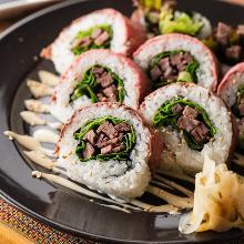 Roast beef sushi roll