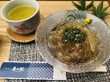 Tokoroten (gelidium jelly)