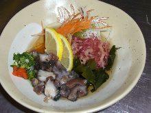 Vinegared sea cucumber