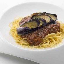 Spaghetti Bolognese with Minced Meat and Grilled Eggplant