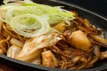 Seafood sauce yakisoba