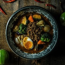 Vegetable and keema soup curry