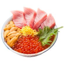 Raw tuna rice bowl
