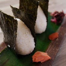 Rice balls (plum, salmon)