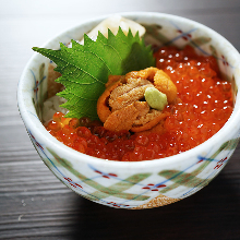 Salmon roe rice bowl