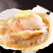 Charcoal grilled scallop with butter and soy sauce