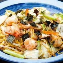 Seafood yakisoba with salt