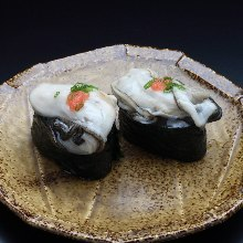 Oyster gunkan sushi rolls