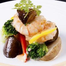 Stir-fried shrimp and broccoli