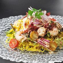 Shrimp and scallop ramen salad